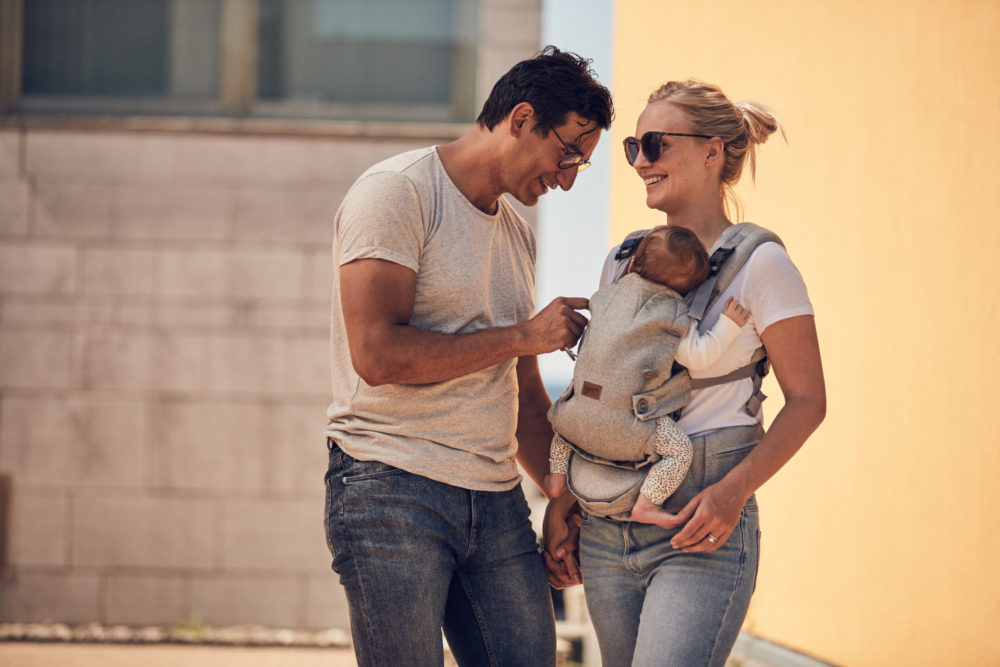 Benefits of babywearing for parents - baby carrier