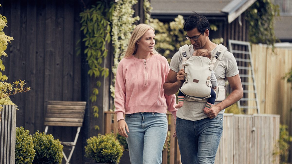 Najell - A baby carrier that fits both parents