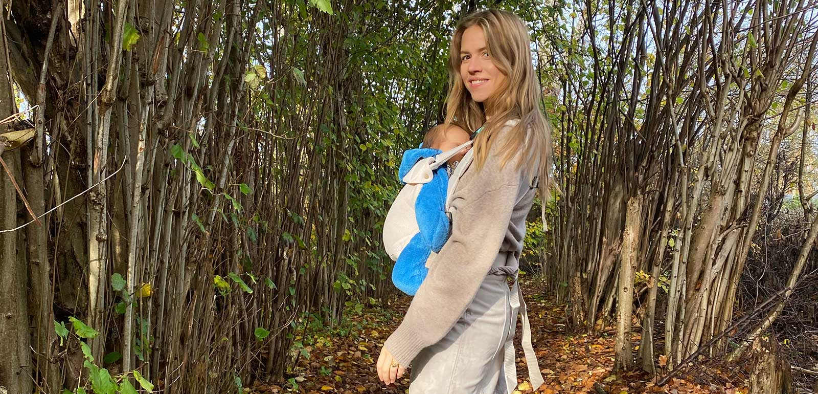 Trine Kjær carrying comfortable and close with Najell Easy
